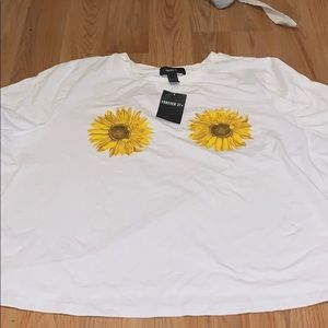 Forever 21 plus size sunflower graphic tee